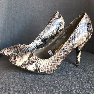 Mossimo Snakeskin High Heels 👠🐍